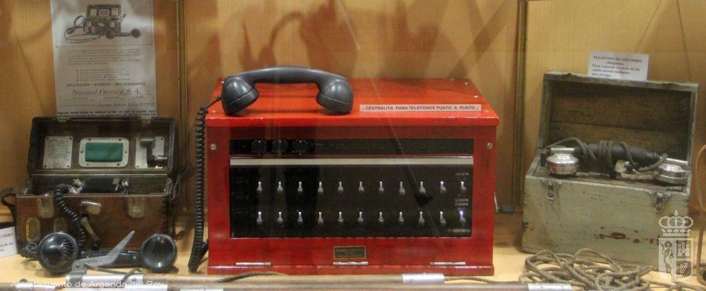 Teléfono de campaña. 2 unidades. Museo del Tren.