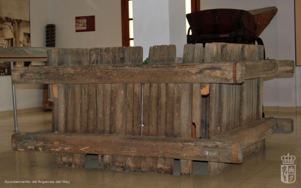 Jaula de prensa de viga. Museo del Vino.