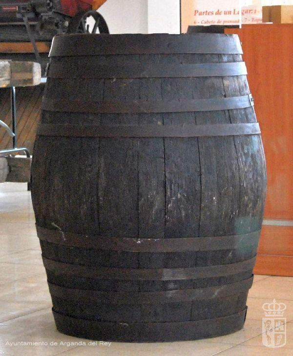Cuba de roble. 2 unidades. Museo del Vino.