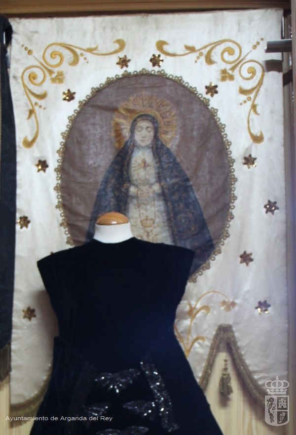 Estandarte blanco de la Virgen. Ermita de la Soledad.
